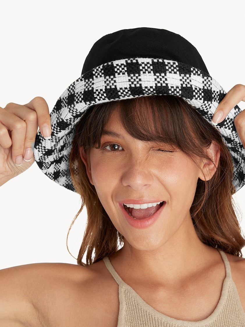 3212ef1a6 Reversible Gingham Bucket Hat - Black/White - Pomelo Fashion