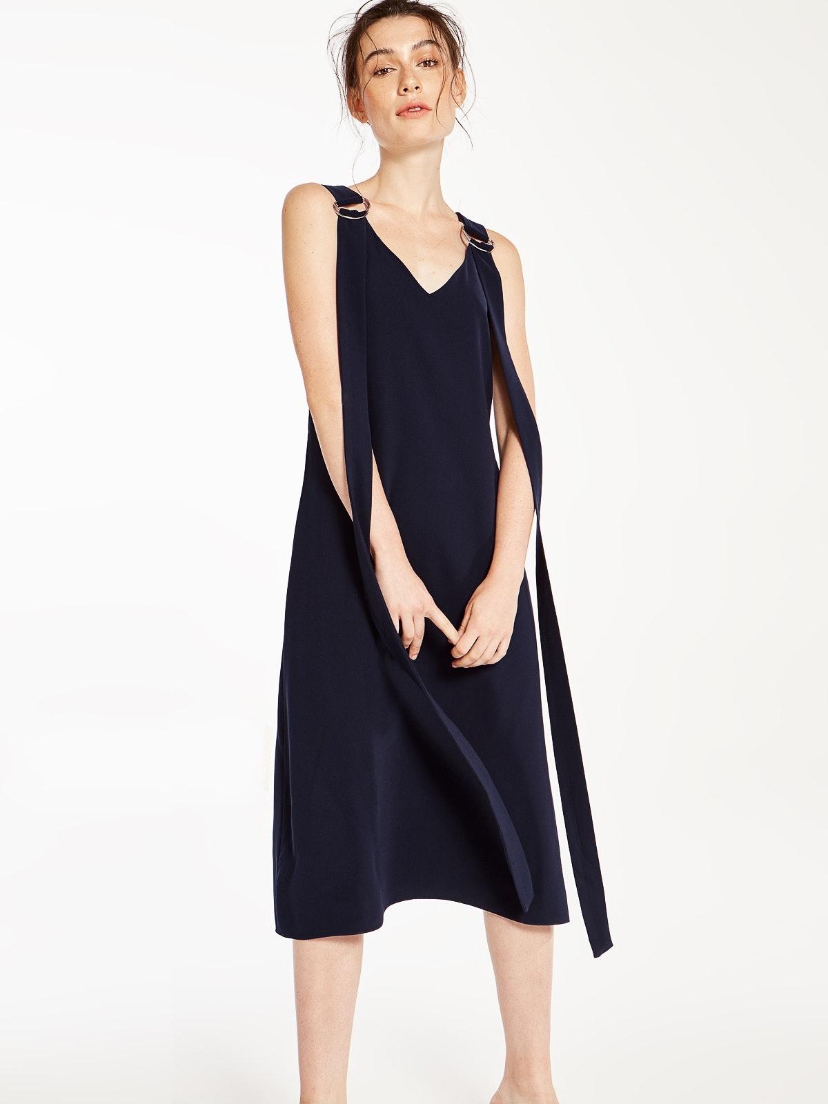 Long dresses online singapore jobs