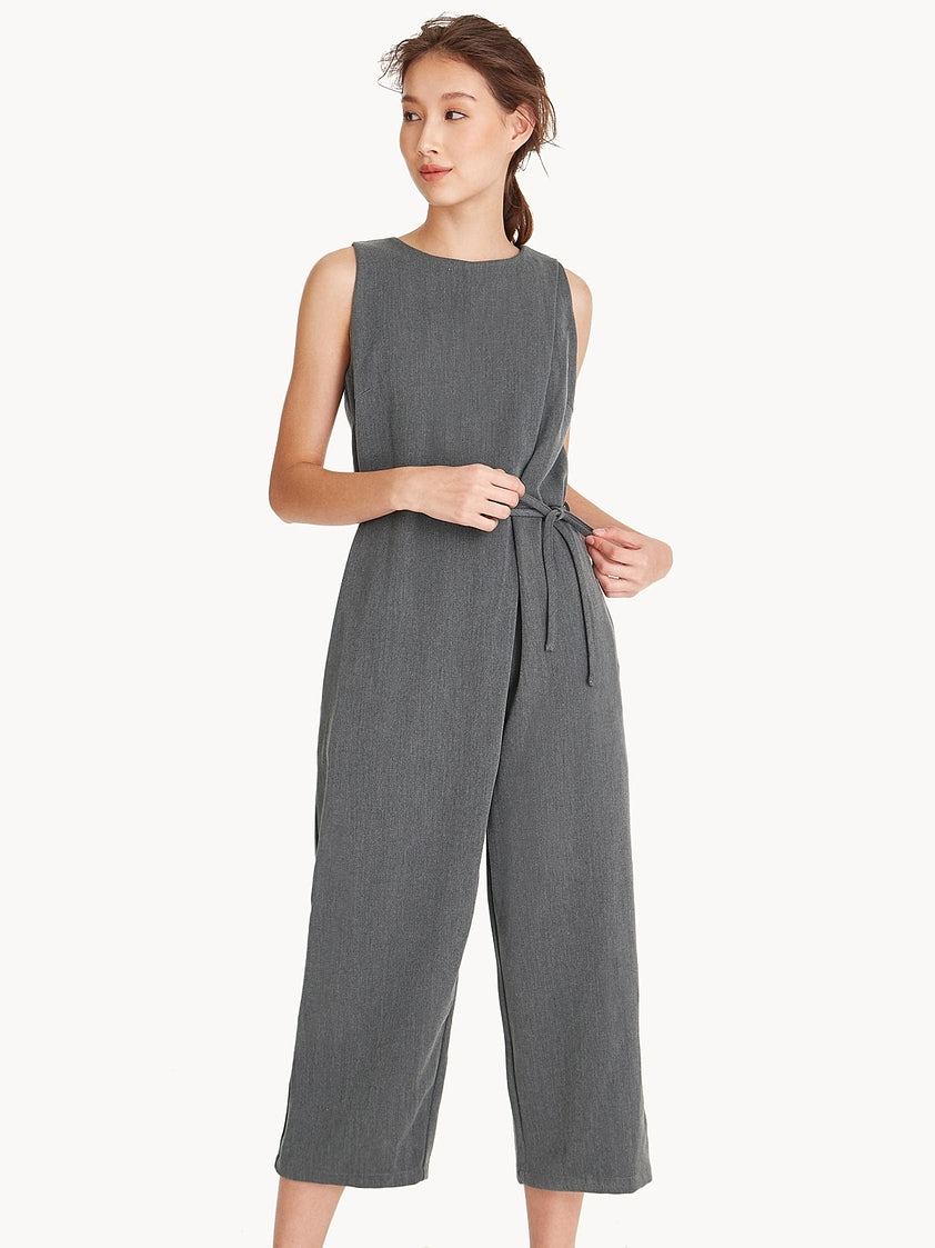 030cb02f48f5 Loose Sleeveless Cropped Jumpsuit - Pomelo Fashion